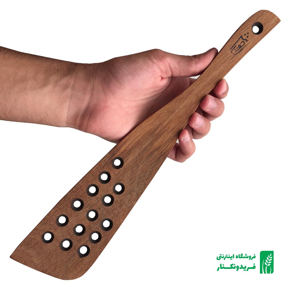 قاشق سوراخ دار چوبی شماره ۱ جنس راش برند چوتاش